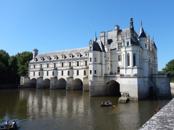Visite guidée du château de Chenonceau dans le circuit des châteaux de la Loire avec un guide privé de l'agence de guides touristiques Guides Tourisme Services
