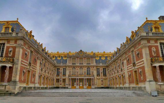 Visite guidée du château de Versailles, autour de Paris avec un guide privé de l'agence de guides touristiques Guides Tourisme Services
