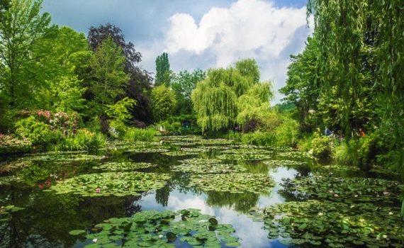 Visite guidée de Giverny, la maison et le jardin de Claude Monet qui lui inspira les célèbres nymphéas