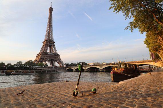 Visite guidée de Paris en trottinette pour toute la famille