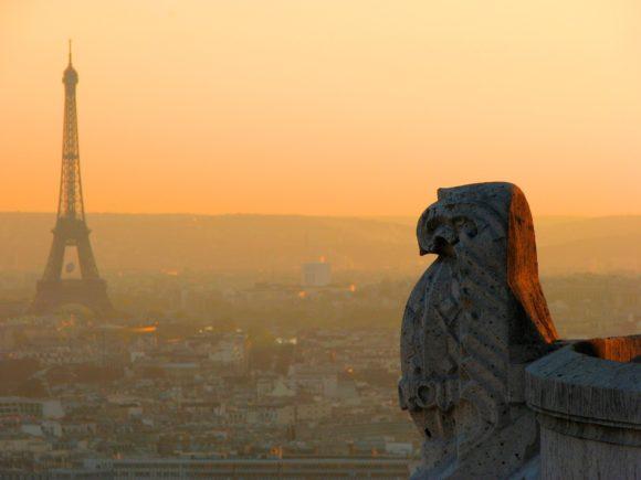 Visite guidée des légendes et mystères de Paris avec un guide conférencier de l'agence Guides Tourisme Services